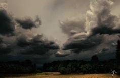 Fotografia di temporale in campagna